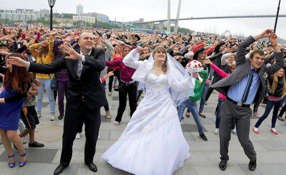 """Большая репетиции флэшмоба """"Я люблю Владивосток"""" прошла на набережной Цесаревича!"""