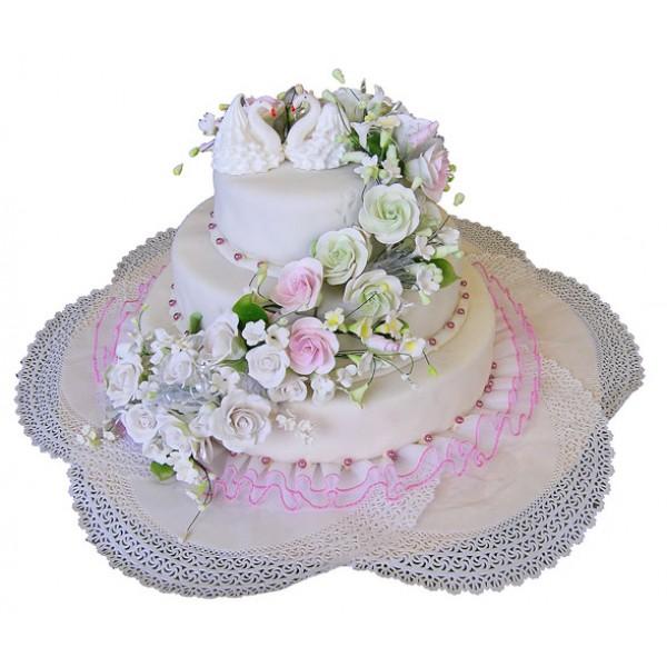Свадебный торт на заказ: безотказное орудие массового удивления