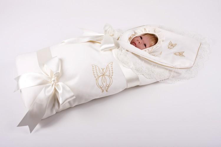Как правильно подобрать конверт на выписку новорожденного?