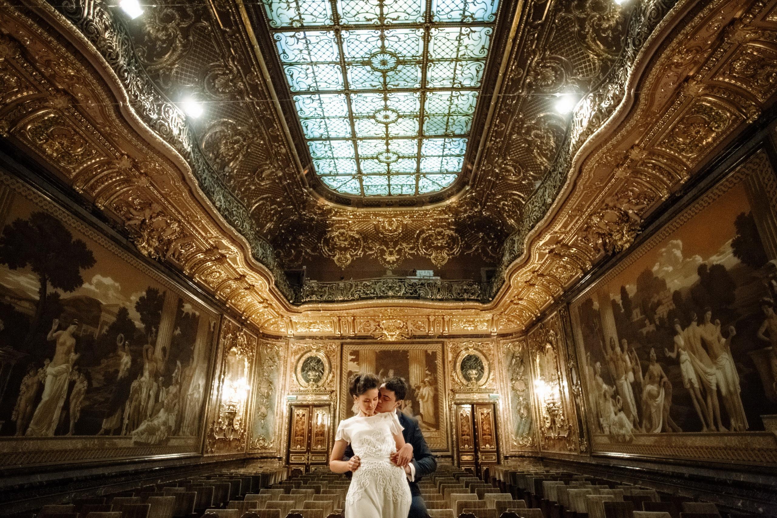 Свадебная фотосессия в необычном месте