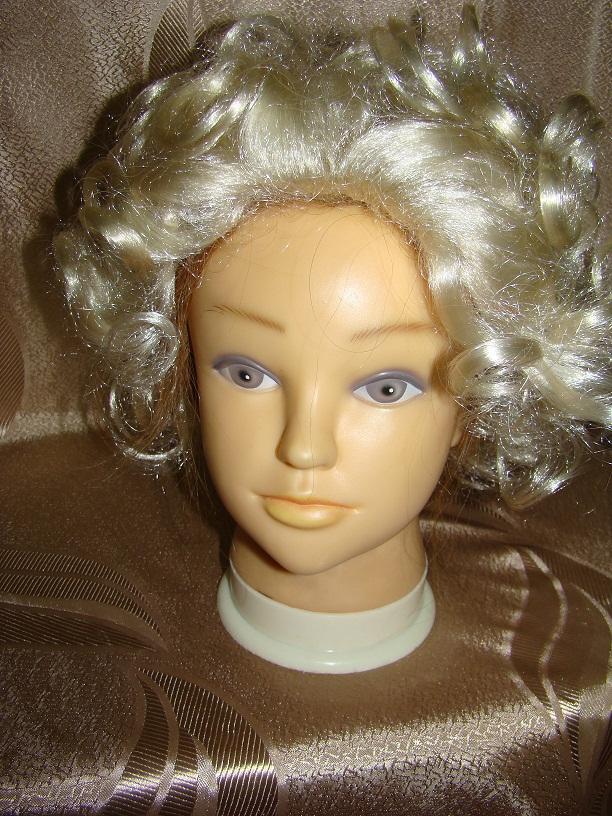 Прокат женских париков для различных образов