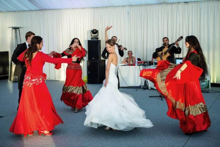 Хотите заказать ансамбль на свадьбу? Выбор более чем велик!