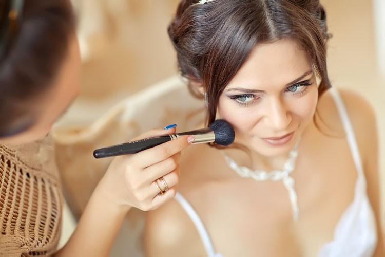 Свадебный стилист на дом - оптимальный вариант!