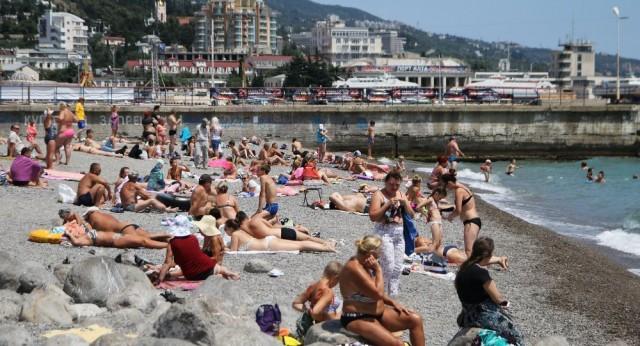Крым принял первый миллион туристов