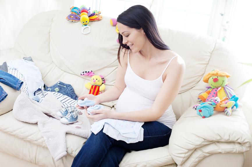 Одежда для новорожденных: где покупать и почему