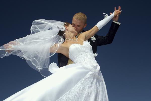 Готовимся к первому танцу жениха и невесты