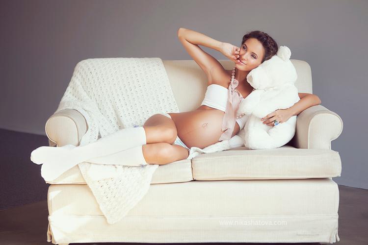 Фотостудия для фотосессий беременных.