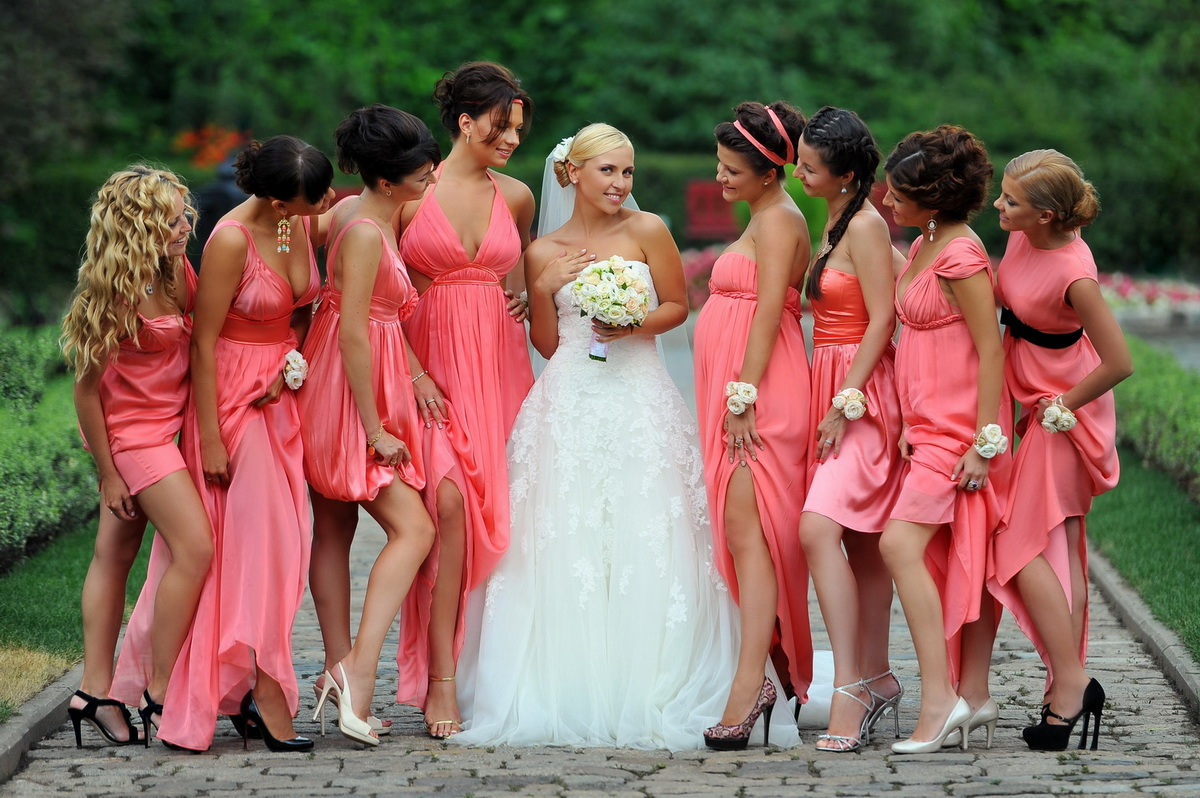 Подбираем платье для подружки невесты!