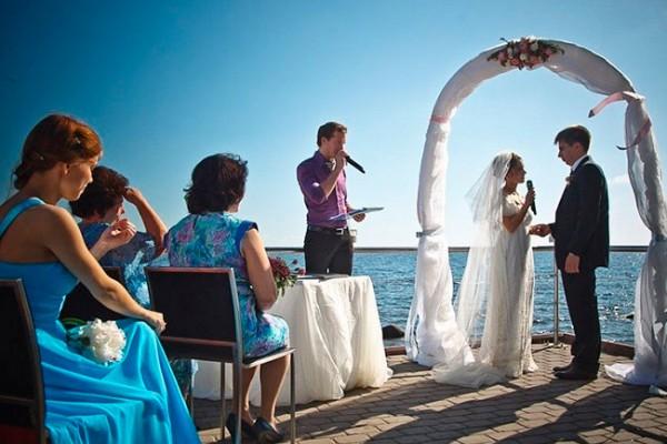 Ведущий на свадьбу: критерии выбора