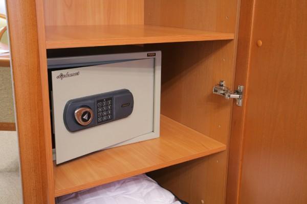 Несколько советов по выбору мебельного сейфа