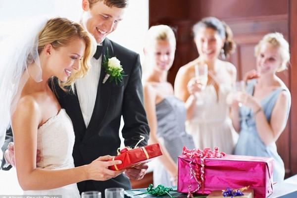 10 Советов - Что подарить на свадьбу молодоженам в 2018 году